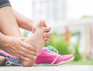 Les causes de la douleur chronique aux pieds